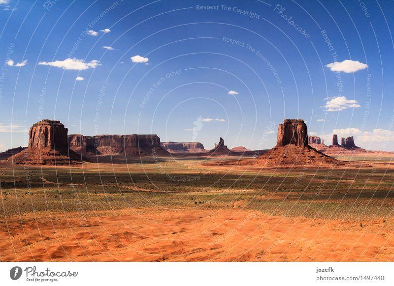 Monumenttal Ferien & Urlaub & Reisen Tourismus Landschaft Sand Wärme Tal Monument Valley Utah USA wandern einzigartig blau orange rot Abenteuer Farbfoto