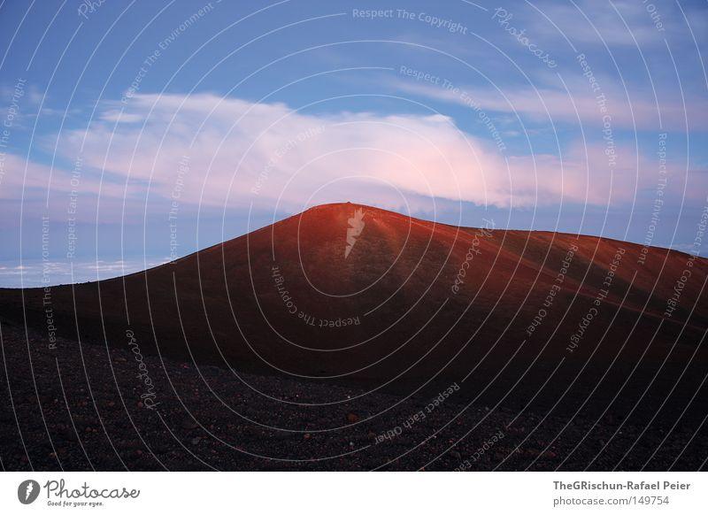 Mauna Kea Hawaii Vulkan Insel Berge u. Gebirge Stimmung Sonnenuntergang Abenddämmerung kalt Sand Stein Halbschlaf schlafen Himmel Wolken blau weiß braun rot