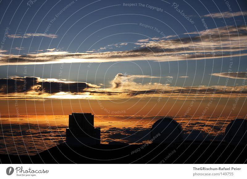 Sternen Gucker Hawaii USA Berge u. Gebirge Vulkan Haus Gebäude Astronom Observatorium Wolken Stimmung Sonnenuntergang Wolkenband Wolkenfetzen Wolkendecke