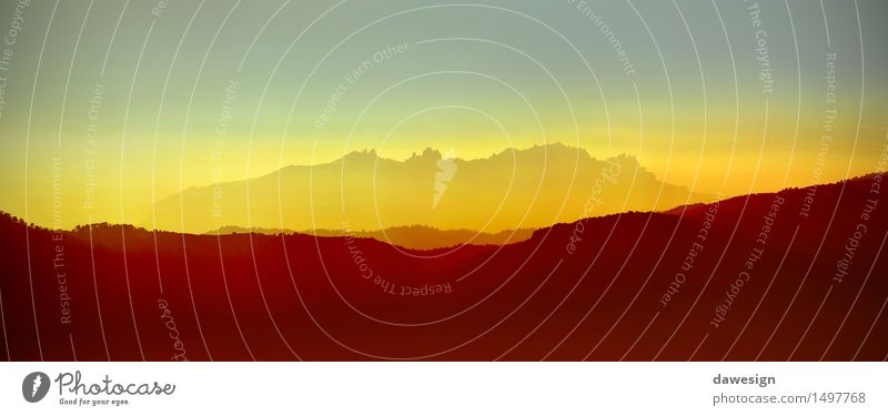 Himmel Natur Ferien & Urlaub & Reisen schön Sommer Baum rot Landschaft Wolken Berge u. Gebirge gelb Wärme Herbst natürlich Felsen Horizont