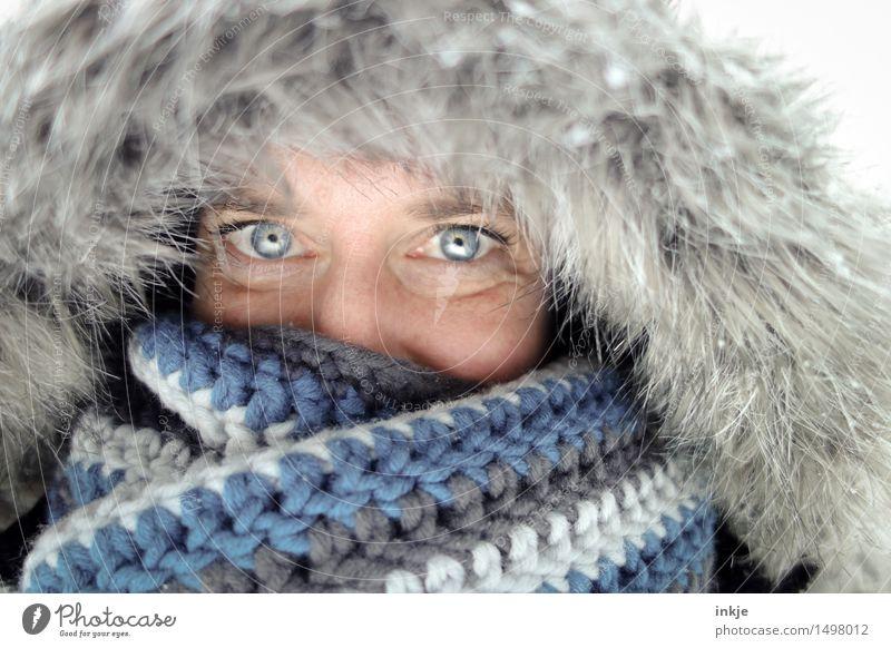 =) Mensch Frau blau Winter Gesicht kalt Erwachsene Auge Wärme Leben Stil Gesundheit Lifestyle Wetter Eis Lächeln