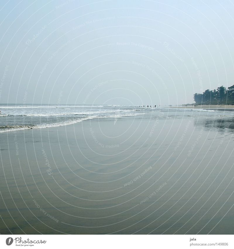 lonely expanse Wasser Meer blau Sommer Strand Ferien & Urlaub & Reisen ruhig Einsamkeit Ferne Freiheit grau Sand Stimmung Küste groß frei