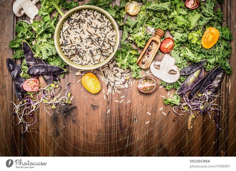 Wildreis mit Grünkohl und Gemüse Zutaten Gesunde Ernährung gelb Leben Essen Foodfotografie Stil Hintergrundbild Lebensmittel Design Tisch
