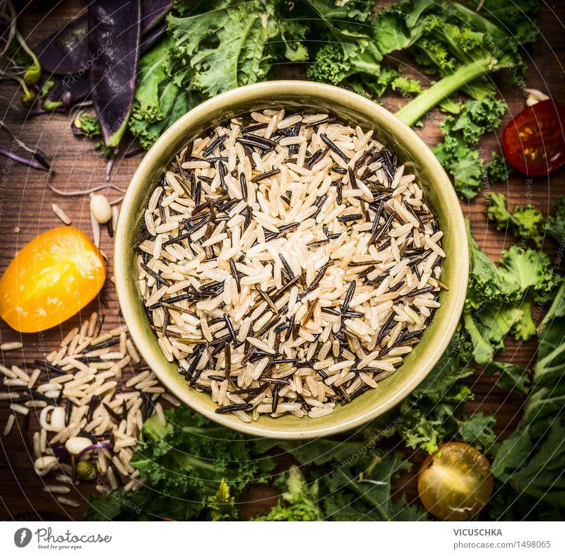 Wildreis mit Gemüse Zutaten Lebensmittel Getreide Kräuter & Gewürze Ernährung Mittagessen Abendessen Bioprodukte Vegetarische Ernährung Diät Schalen & Schüsseln