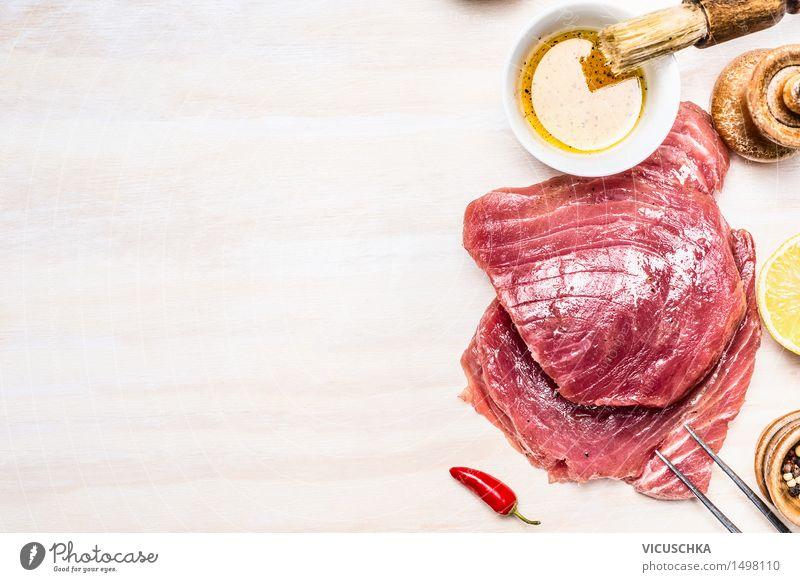 Thunfisch Steaks mit Öl und Gewürzen Lebensmittel Fisch Kräuter & Gewürze Ernährung Büffet Brunch Festessen Geschäftsessen Bioprodukte Vegetarische Ernährung