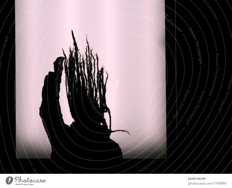 BLN08_head first Mensch Mann 1 Kunststoff Schilder & Markierungen hängen dunkel hell rosa Surrealismus Irritation künstlich durchleuchtet Körperhaltung