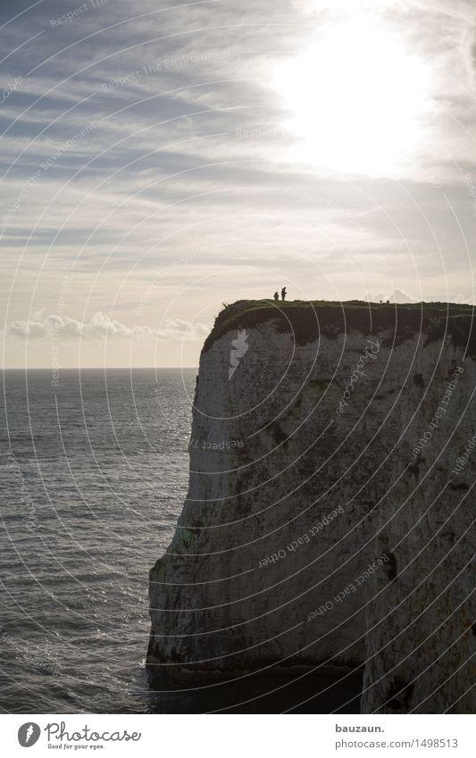 zwei. Mensch Himmel Natur Ferien & Urlaub & Reisen Wasser Sonne Meer Landschaft Wolken Ferne Strand Umwelt Liebe Küste Freiheit Paar
