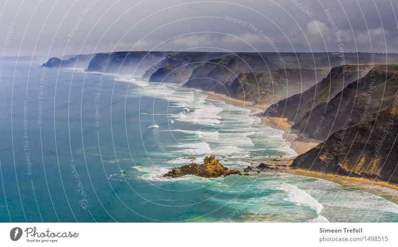 Algarve Ferien & Urlaub & Reisen Abenteuer Ferne Freiheit Strand Wellen Portugal Klippe Küste Landschaft Gewitterwolken Sturm Meer Atlantik Schwimmen & Baden