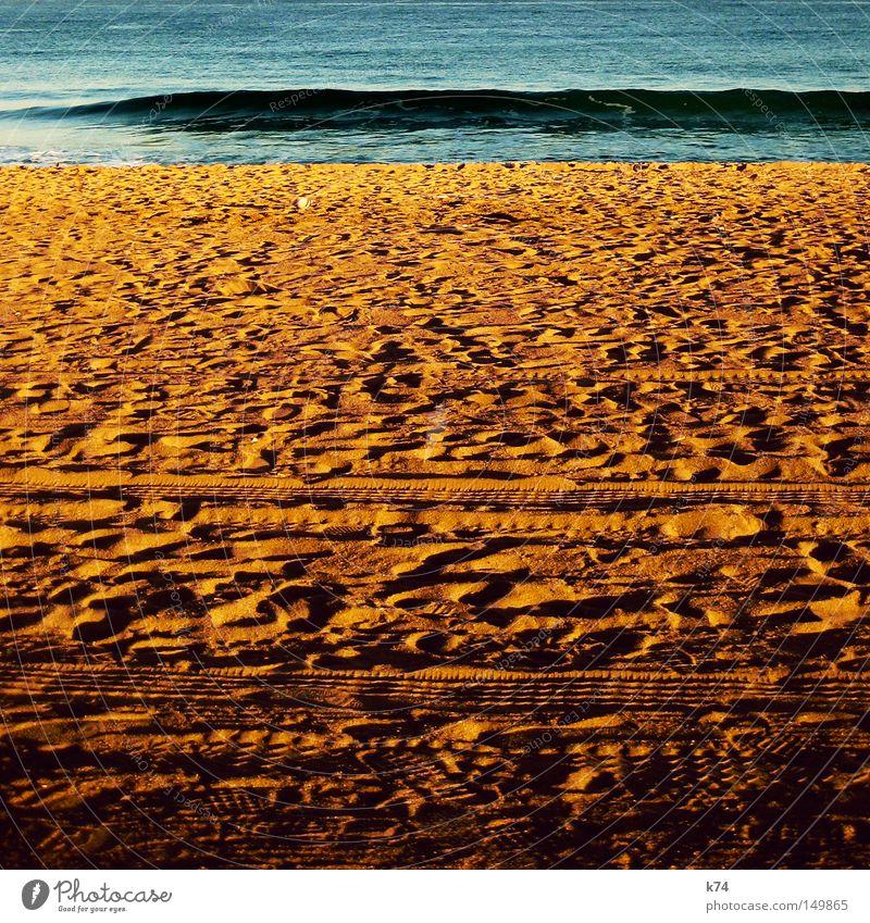 sea change Meer See Wasser Strand Sand Spuren Küste maritim Schatten Wellen Bewegung Energie Wind Erde