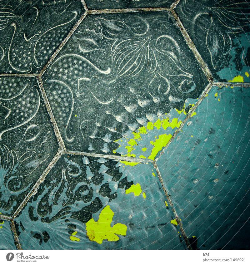 baldosa Fliesen u. Kacheln Bodenbelag Straße gehen treten Sand Farbe Fleck Fuge fossil Meerestier Schnecke Seestern Gemälde Muster maritim mediterran grün