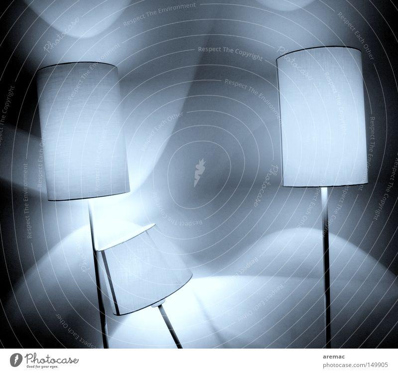 Lichtraum Lampe Lichterscheinung Beleuchtung Schatten abstrakt Schwarzweißfoto Elektrisches Gerät Technik & Technologie Wohnzimmer Neigung