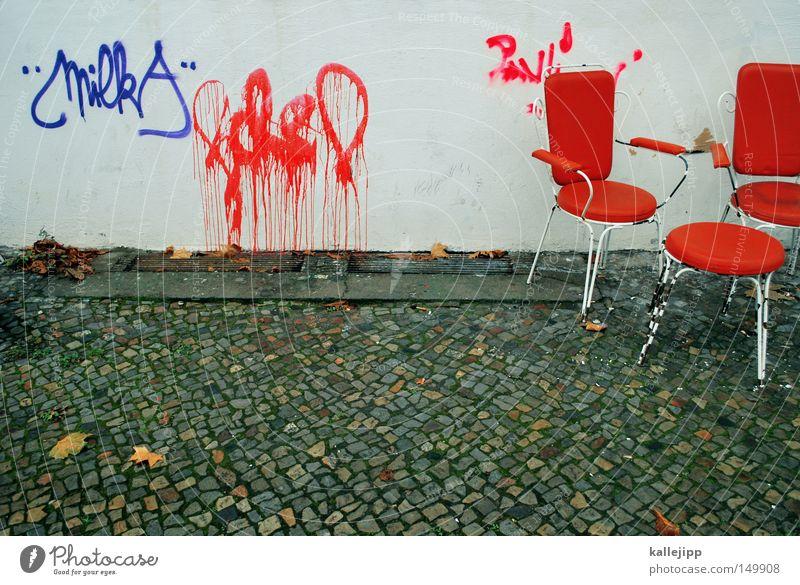 meetingpoint alt weiß rot Einsamkeit ruhig Fenster Graffiti Holz grau Gebäude Denken orange Deutschland Raum Innenarchitektur dreckig