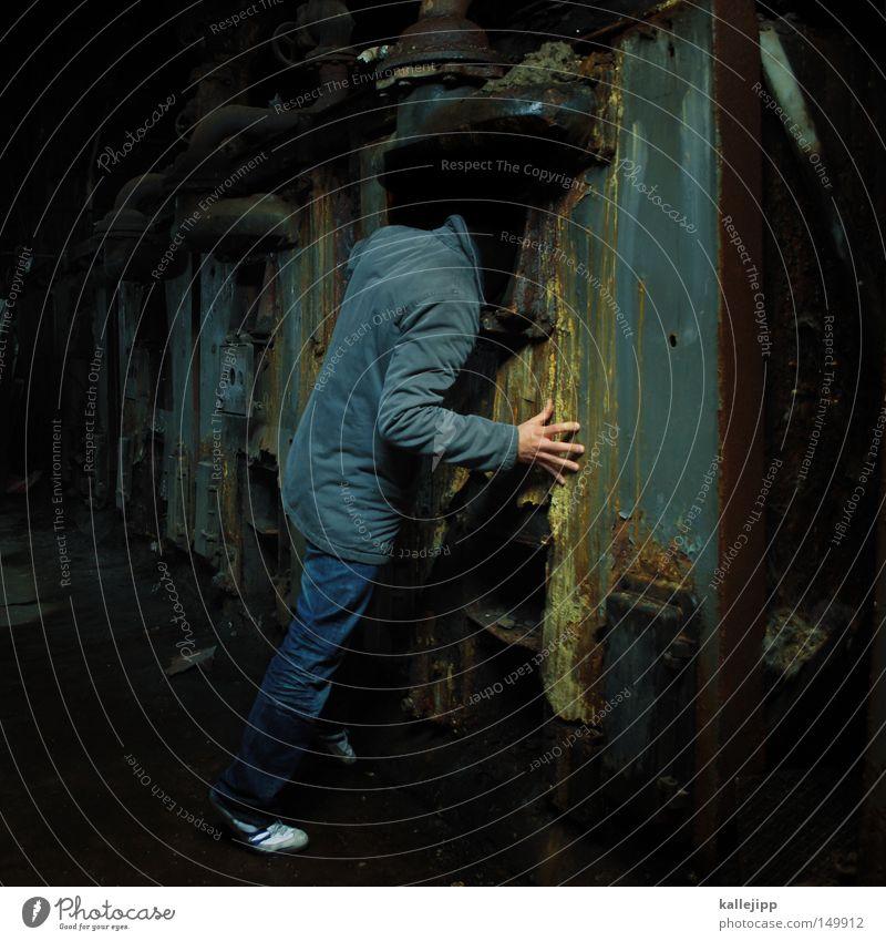 world wide weg Mann Mensch Öffnung Eingang Ausgang U-Boot Hand Einsamkeit gehen Keller dunkel Heizkörper Technik & Technologie Technikfotografie veraltet Kapsel