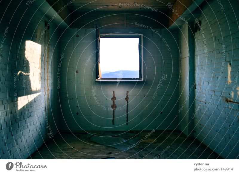 Räumlich alt blau Einsamkeit Farbe Wand Gefühle Fenster Gebäude Raum Beleuchtung Hintergrundbild leer kaputt Spuren Vergänglichkeit