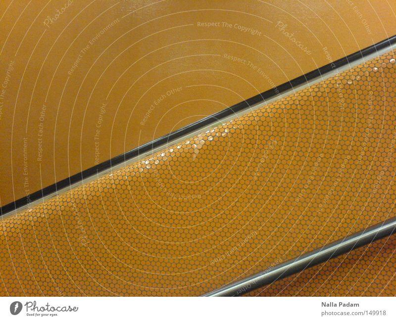Mehr mehr mehr Orange schwarz orange Metall Bahnhof Geländer Treppengeländer Mosaik Bochum unterirdisch