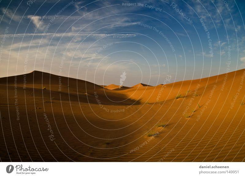 zum aufwärmen Himmel blau rot Ferien & Urlaub & Reisen gelb Wärme Sand Wind Umwelt Erde Reisefotografie Klima Wüste Asien trocken Düne