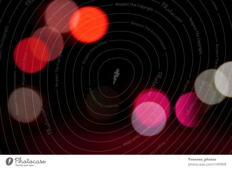 Lichtpunkte Lichtstimmung Abend Nacht Farbe Unschärfe Lampe Fleck Punkt mehrfarbig rot orange rosa weiß silber grau schwarz abstrakt Lichtschein