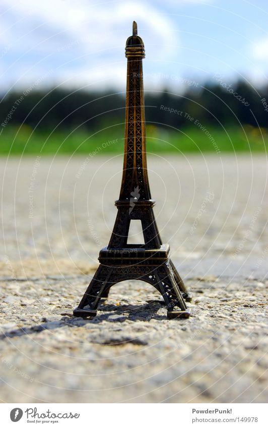 der e-tower Tour d'Eiffel Straße Sommer Wolken Wiese Miniatur Paris Europa Frankreich