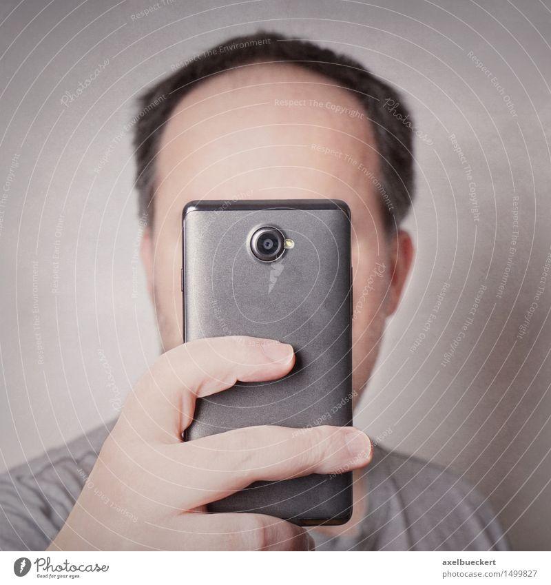 Selfie Lifestyle Freude Freizeit & Hobby Fotografie Handy PDA Fotokamera Mensch maskulin Mann Erwachsene 1 30-45 Jahre trendy Identität Quadrat Humor einäugig