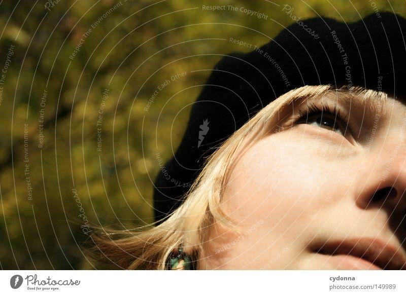 Herbstzeitlose II Frau Mensch Natur Baum Sonne Gesicht Ferien & Urlaub & Reisen Blatt gelb Leben Erholung feminin Gefühle träumen Wärme