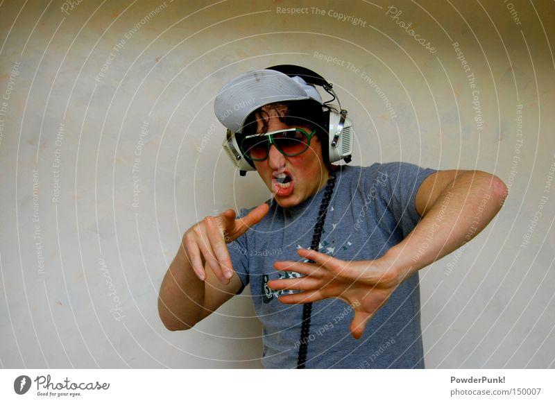 huaaaa Mann Jugendliche Hand Erwachsene Wand lachen lustig 18-30 Jahre Musik Fröhlichkeit verrückt Brille T-Shirt retro Konzentration Disco