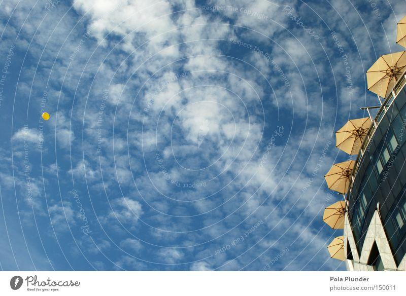 yellow cosmic super baby schön Freiheit Luftverkehr Himmel Wolken Architektur Glas fliegen modern rund gelb Sonnenschirm Moderne Architektur Kindergeburtstag