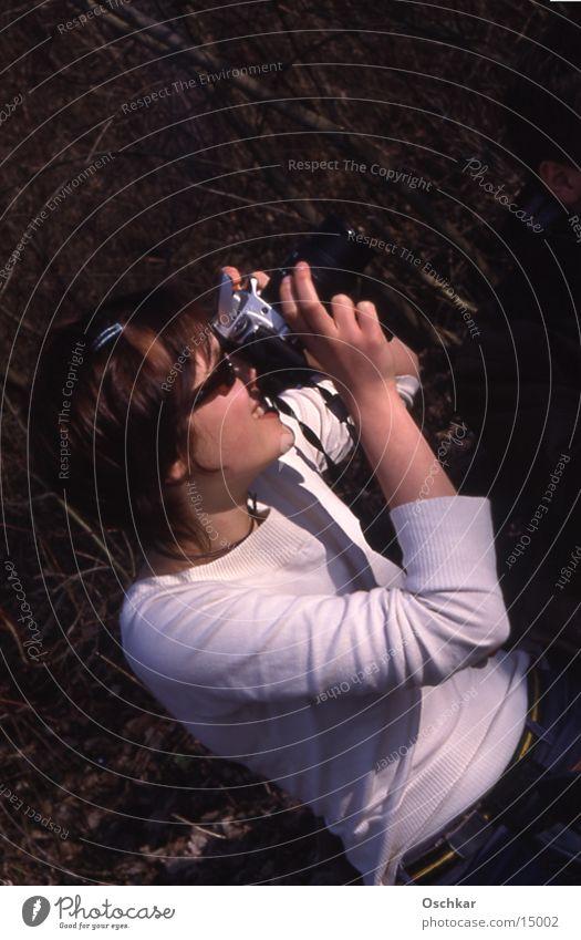 Mach 'nen Foto Frau Fotokamera fotografierend Sonne
