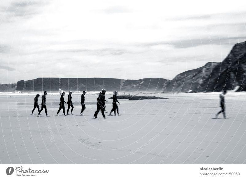 no solution - no problem! Mensch Himmel Wasser Sonne Meer Sommer Strand Freude Spielen Sand Freundschaft hell Horizont Wellen laufen nass