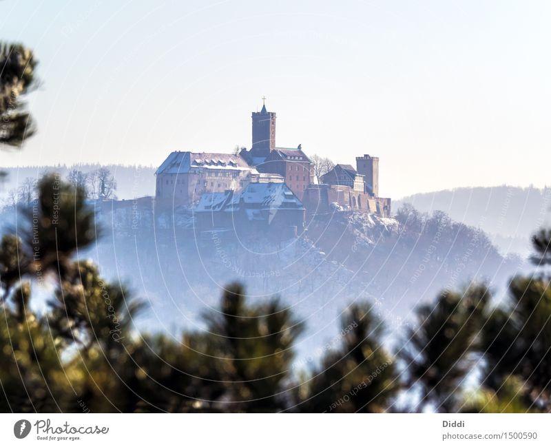 Wartburg Eisenach Deutschland Burg oder Schloss Bauwerk Sehenswürdigkeit Wahrzeichen Denkmal kalt Winter Farbfoto Außenaufnahme Menschenleer Textfreiraum oben
