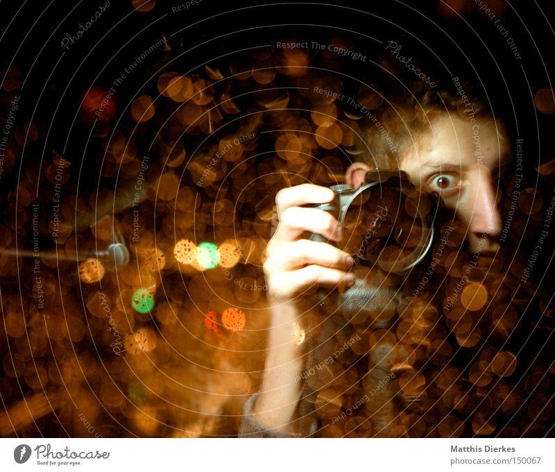 HERE WE GO AGAIN Mensch Jugendliche Fotografie Fotokamera geheimnisvoll Medien böse Fotografieren Linse Teufel Lichtpunkt Objektiv Paparazzo