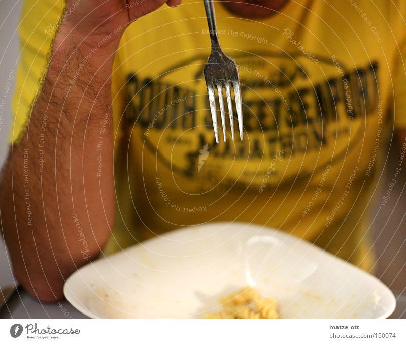 die Gabel Essen Lebensmittel Ernährung Tisch Gastronomie Abendessen Nudeln Festessen Besteck Mahlzeit Italiener
