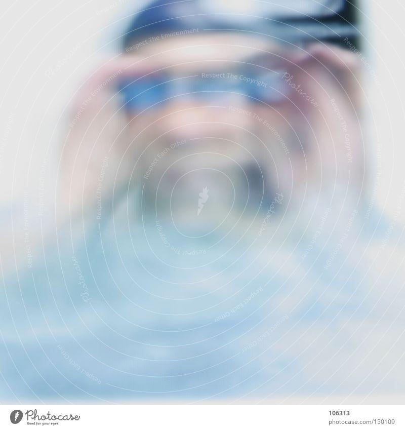 DEN DURCHBLICK VERLOREN blau weiß schwarz unklar Unschärfe Durchblick verloren entfremdet außergewöhnlich Lomografie