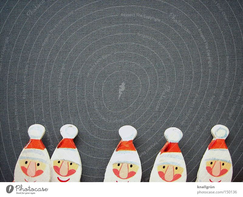 Es werden immer mehr... Mann Weihnachten & Advent weiß rot Winter Feste & Feiern Mensch grau Weihnachtsmann Feiertag Vollbart