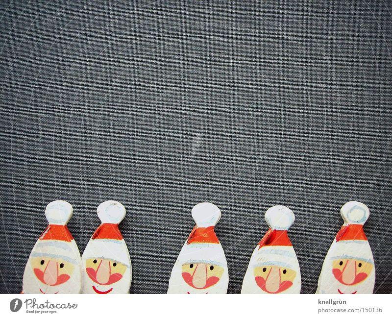 Es werden immer mehr... Weihnachtsmann rot weiß grau Vollbart Feiertag Winter Weihnachten & Advent Mann Stille Nacht Weihnachtsmannmütze