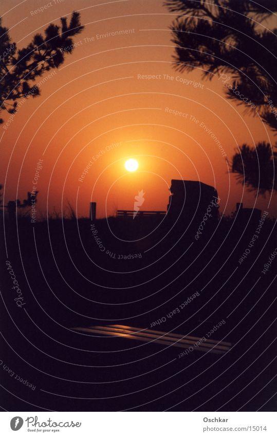 Abendsonne Sonne rot orange Romantik Strandkorb