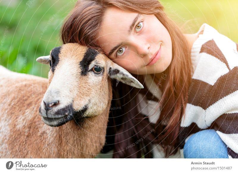 Tierlieb Mensch Natur Jugendliche schön Junge Frau Freude Gesicht Leben Gefühle feminin Glück Lifestyle Zufriedenheit 13-18 Jahre Lächeln Lebensfreude