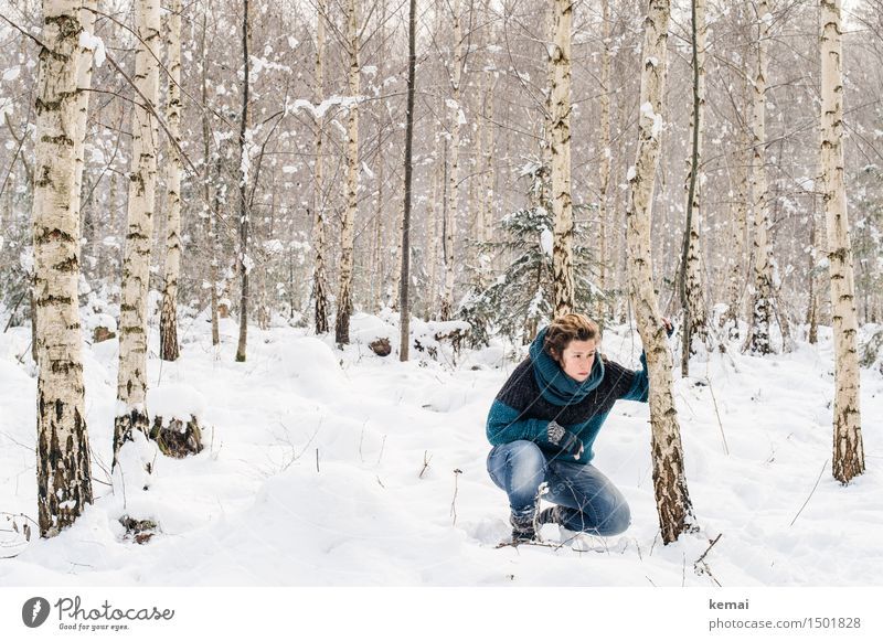 Spending my time with trees (III) Mensch Frau Natur Baum Winter Wald Erwachsene Umwelt Leben Schnee feminin Stil Lifestyle Freiheit Eis Freizeit & Hobby