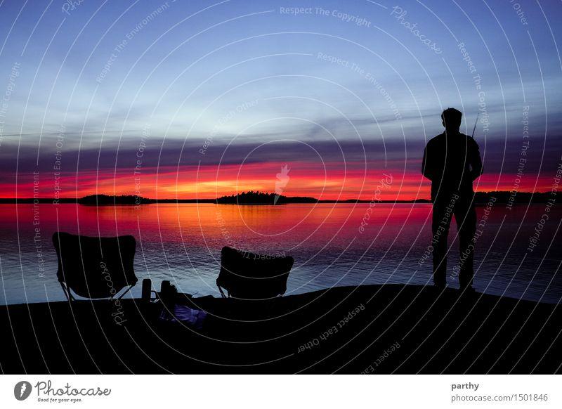 Sonnenuntergangsangeln Mensch Himmel Natur Ferien & Urlaub & Reisen Mann blau Wasser Erholung rot Wolken ruhig schwarz Erwachsene gelb Stimmung Horizont