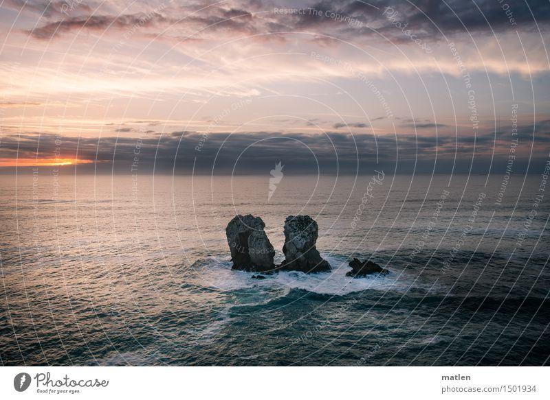 Inselchen Landschaft Wasser Himmel Wolken Horizont Sonnenaufgang Sonnenuntergang Wetter Schönes Wetter Felsen Wellen Küste Riff Meer Menschenleer blau braun