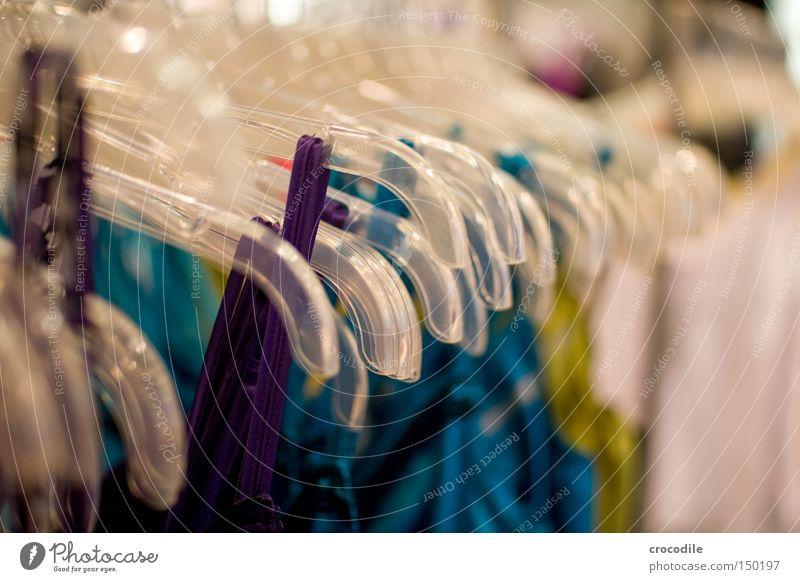 purple rules Top T-Shirt Kleiderbügel mehrfarbig Regenbogen Unschärfe Bekleidung violett gelb blau türkis bokeeh
