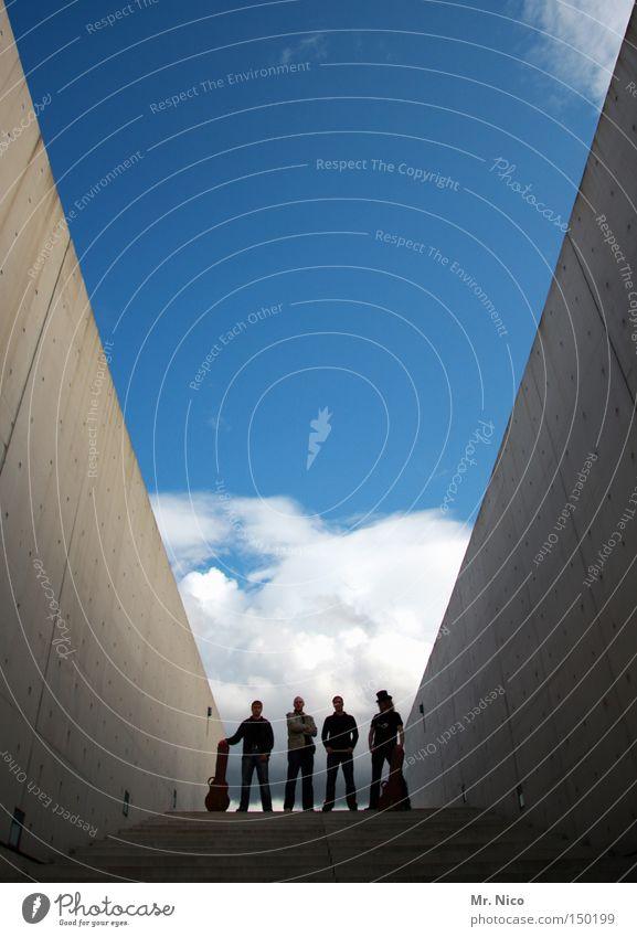 stairway to heaven Freundschaft Rockband Himmel 4 Treppe schrittweise Coolness lässig Kraft Menschengruppe Konzert Musik modern Musiker Schnur the wall