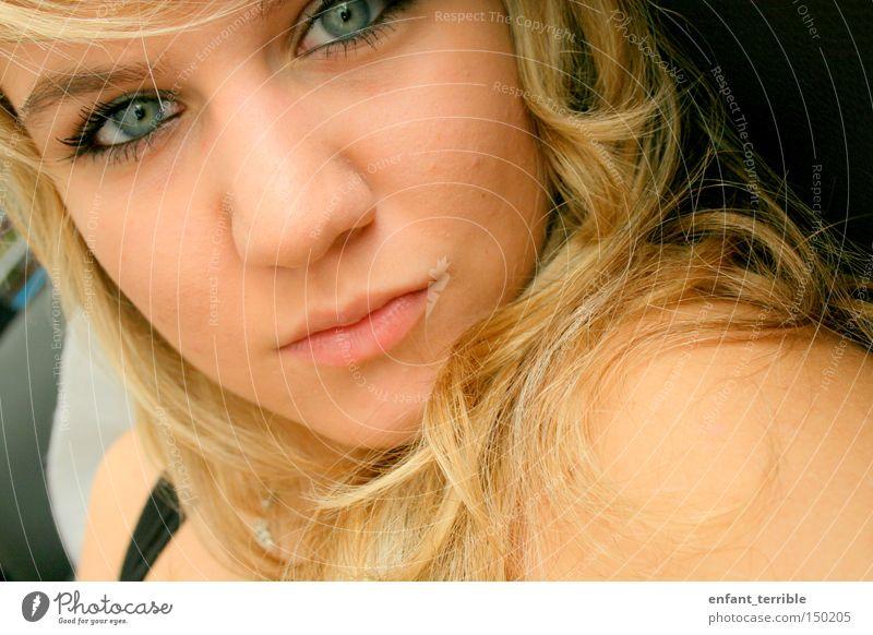blue blau blond Kopf Auge Gesicht unschuldig Haare & Frisuren Mensch me Farbe