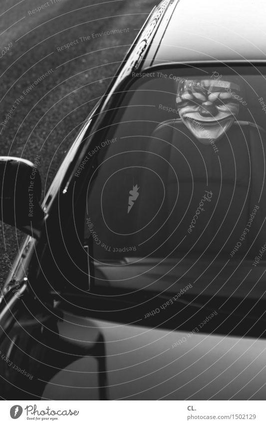 geisterfahrer dunkel Straße Wege & Pfade PKW Angst Verkehr Maske Karneval gruselig Verkehrswege Irritation Fahrzeug skurril bizarr Autofahren Straßenverkehr
