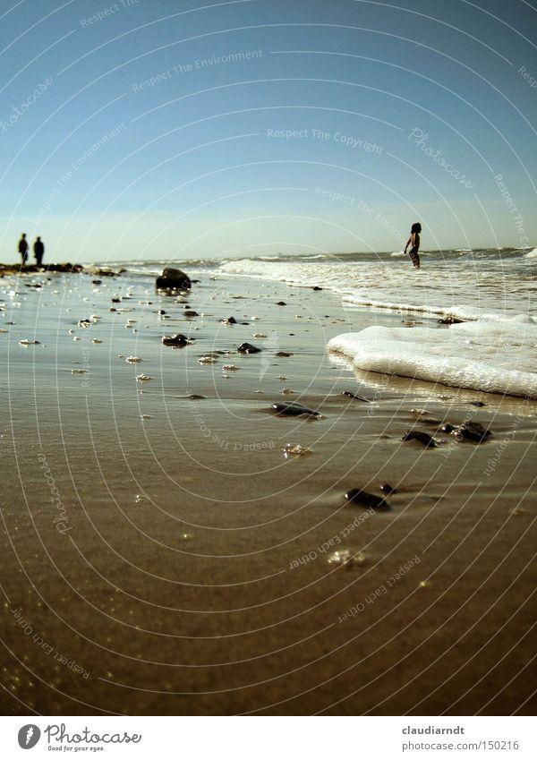 Meer sehn Strand Sand Wellen Sommer Ferien & Urlaub & Reisen Horizont Mensch Erholung Ostsee Wasser Schwimmen & Baden Küste Menschlein