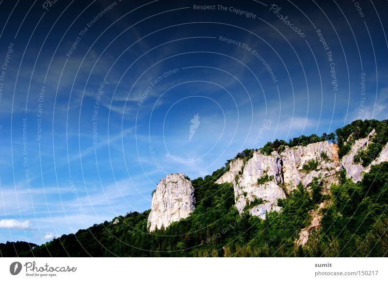 Mein erstes! (Warum auch immer) Himmel blau Wolken Wald Berge u. Gebirge Felsen Macht Mittag Oberes Donautal
