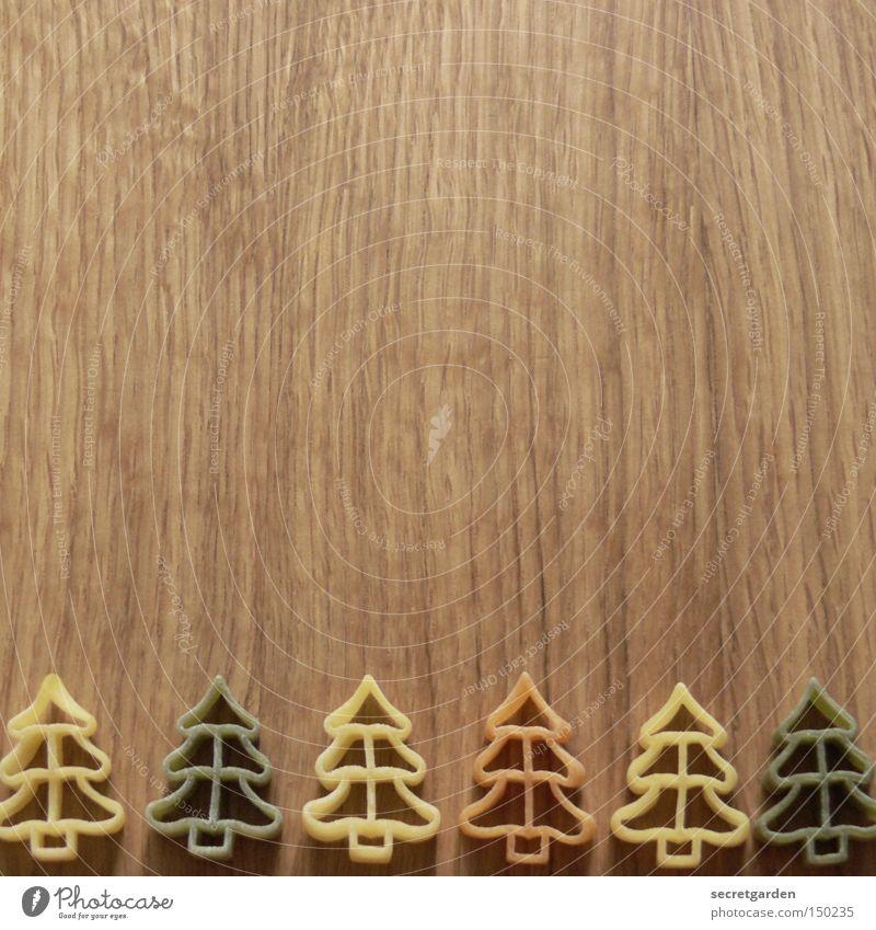 tannebaum alla carbonara Lebensmittel Nudeln Ernährung Dekoration & Verzierung Baum Tanne Wald Holz braun grün Appetit & Hunger Kitsch Ordnung Schneidebrett