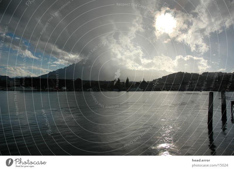 wetterspiele Luzern Vierwaldstätter See Wassertropfen Europa Regen Sonne Wetterumbruch