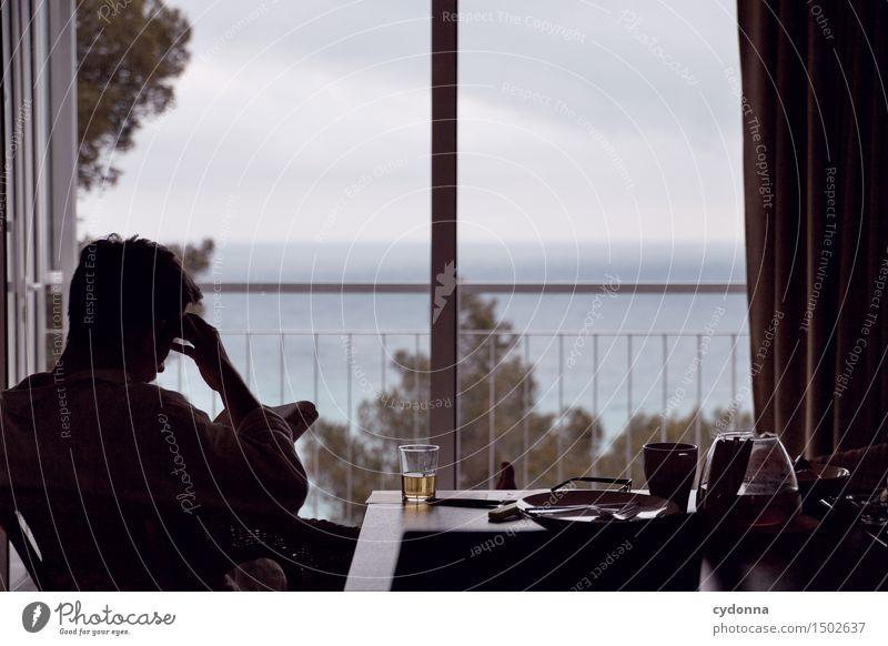 Langer Nachmittag Mensch Ferien & Urlaub & Reisen Jugendliche Meer Erholung Junger Mann Einsamkeit ruhig 18-30 Jahre Fenster Erwachsene Leben Zeit