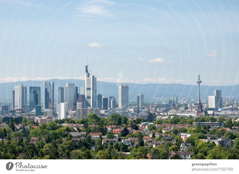 Frankfurter Skyline mit Grüngürtel Stadt Sommer Haus Wald Architektur Frühling Garten Feste & Feiern Deutschland Park Hochhaus Tanzen Fahrradfahren Spaziergang