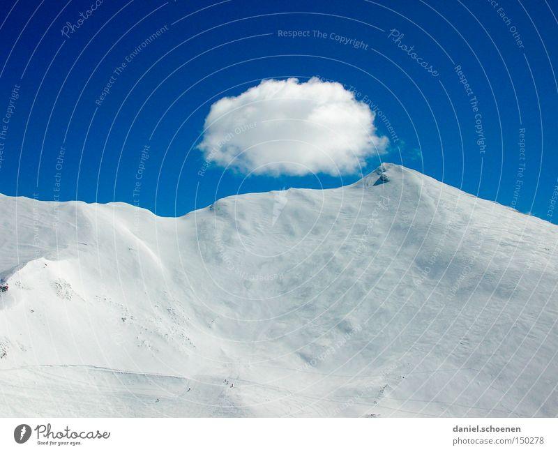 Val Frejus Schnee Tiefschnee Himmel Winter Berge u. Gebirge Schneebedeckte Gipfel Altokumulus floccus Blauer Himmel malerisch Berghang Schneedecke
